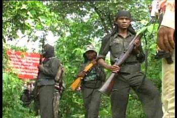 Combattants maoïstes en Inde