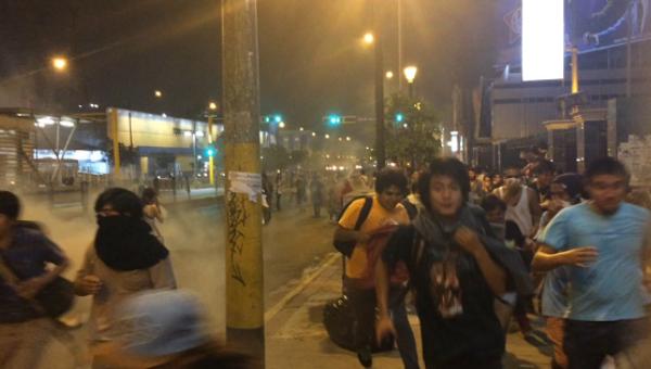 Affrontements à la manifestation anti-TTP à Lima
