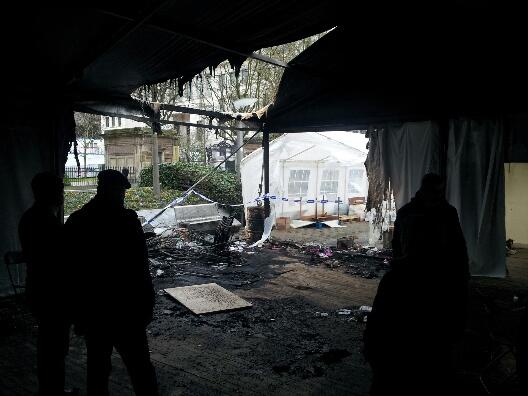 Tente NavBel incendiée