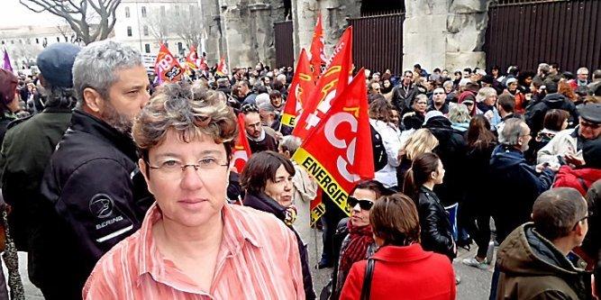 La syndicaliste et la manifestation de soutien