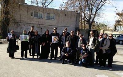 Parents des prisonniers politiques devant la prison d'Evin