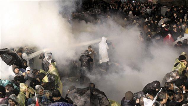 Répression des premières manifestations de soutien à Zaman