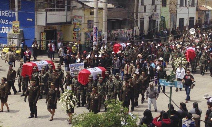 Les funérailles des soldats tués samedi par la guérilla