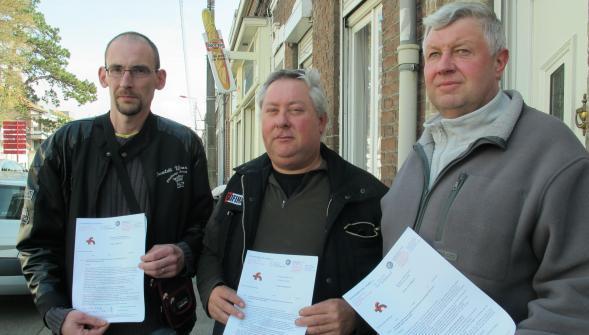 Les trois ouvriers menacés de licenciement