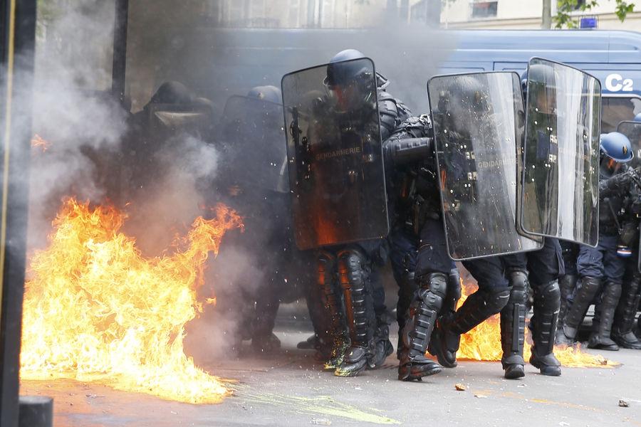 Affrontements à Paris