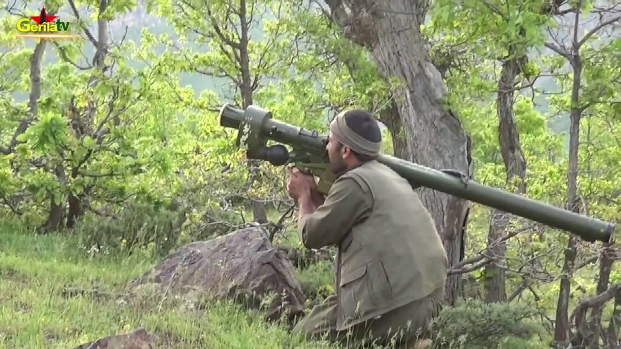 Combattant du PKK avec le lance-missiles Igla