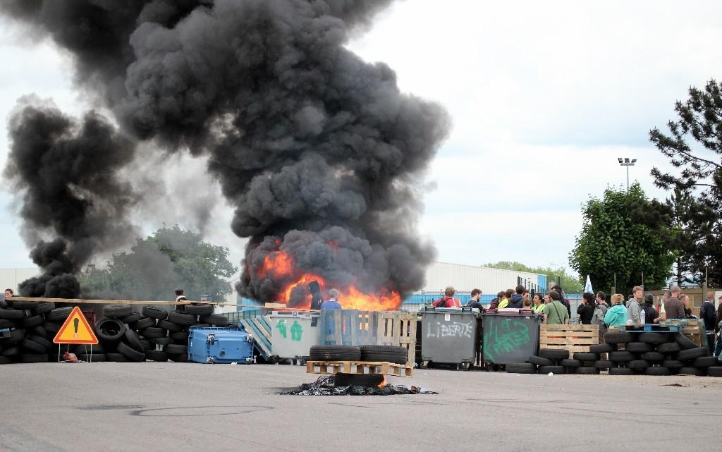 Le piquet de grève à la raffinerie Total