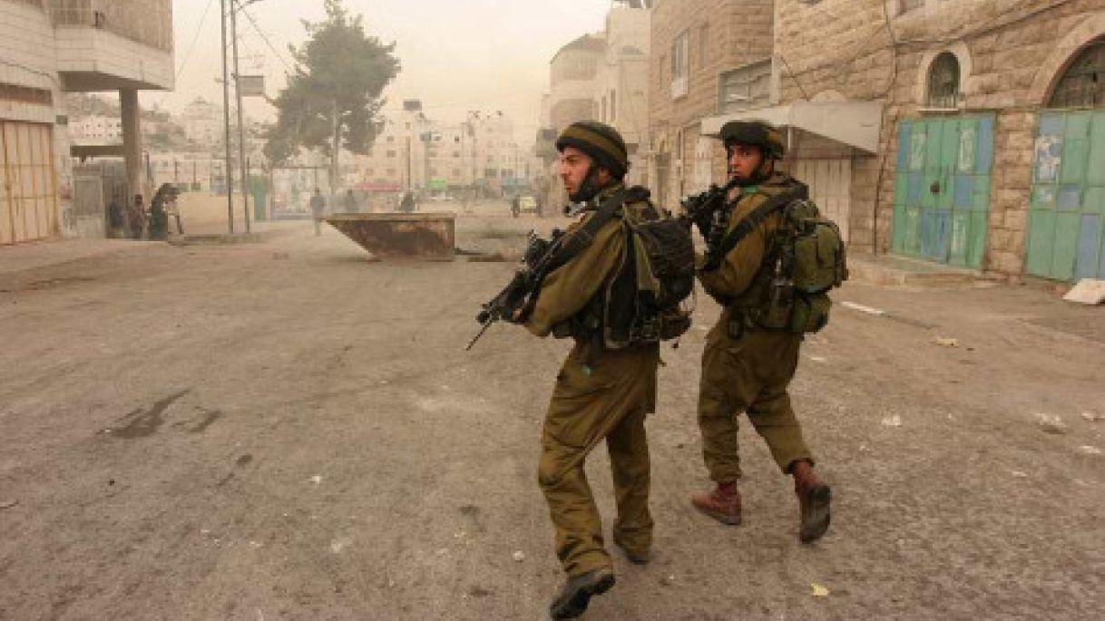 Forces d'occupation à Hébron