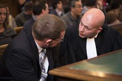 Le commissaire et son avocat