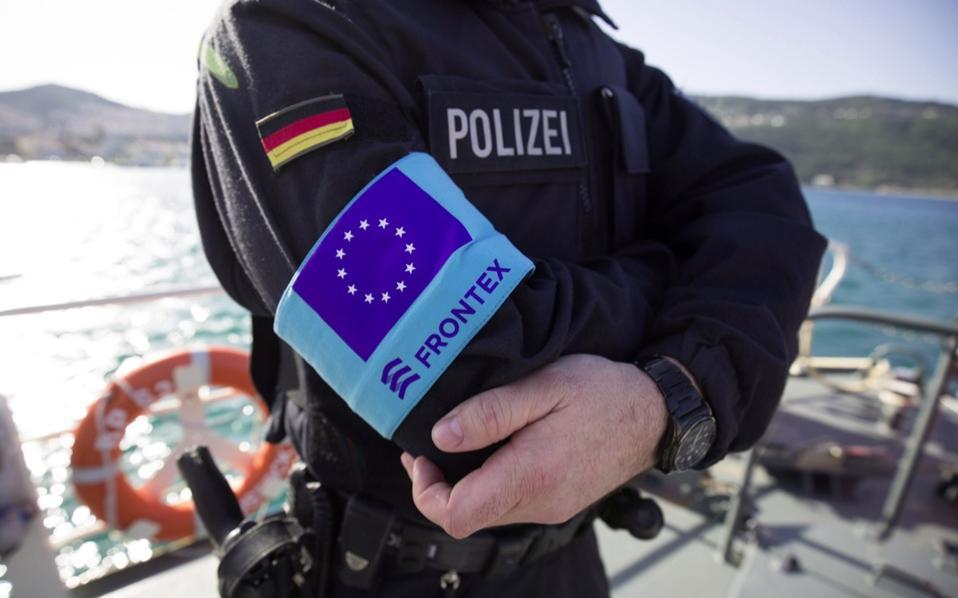 Policier allemand en mission en Grèce dans le cadre de Frontex