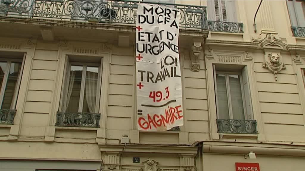 L'occupation de la permanence du député PS de la Loire Jean-Louis Gagnaire le 12 mai dernier