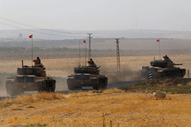 Blindés turcs en route pour Jarablos