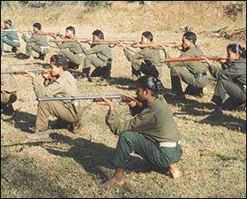Entrainement de la guérilla maoïste
