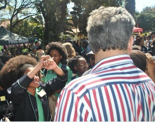 Des jeunes manifestantes à Pretoria