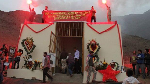 Hommage aux prisonniers maoïstes assassinés au mausolée de Comas