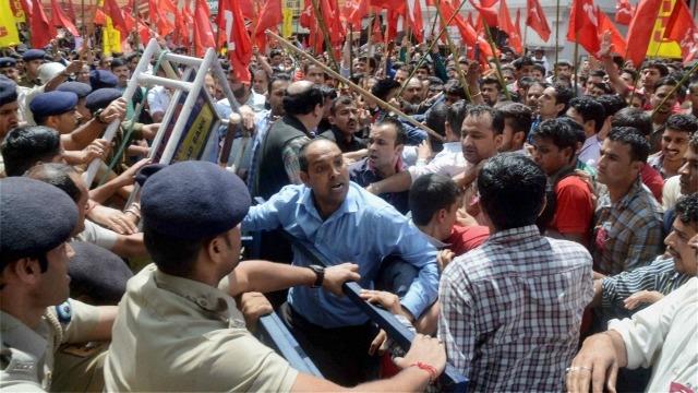 Affrontements entre syndicalistes et policiers à Shimla
