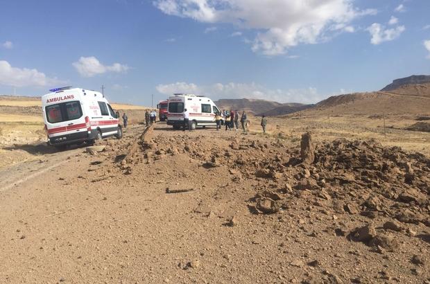 Le cratère de l'explosion sur la route Kiziltepe-Derik