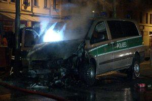 Le combi incendié à Leipzig