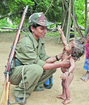Guerrillera maoïste en Inde