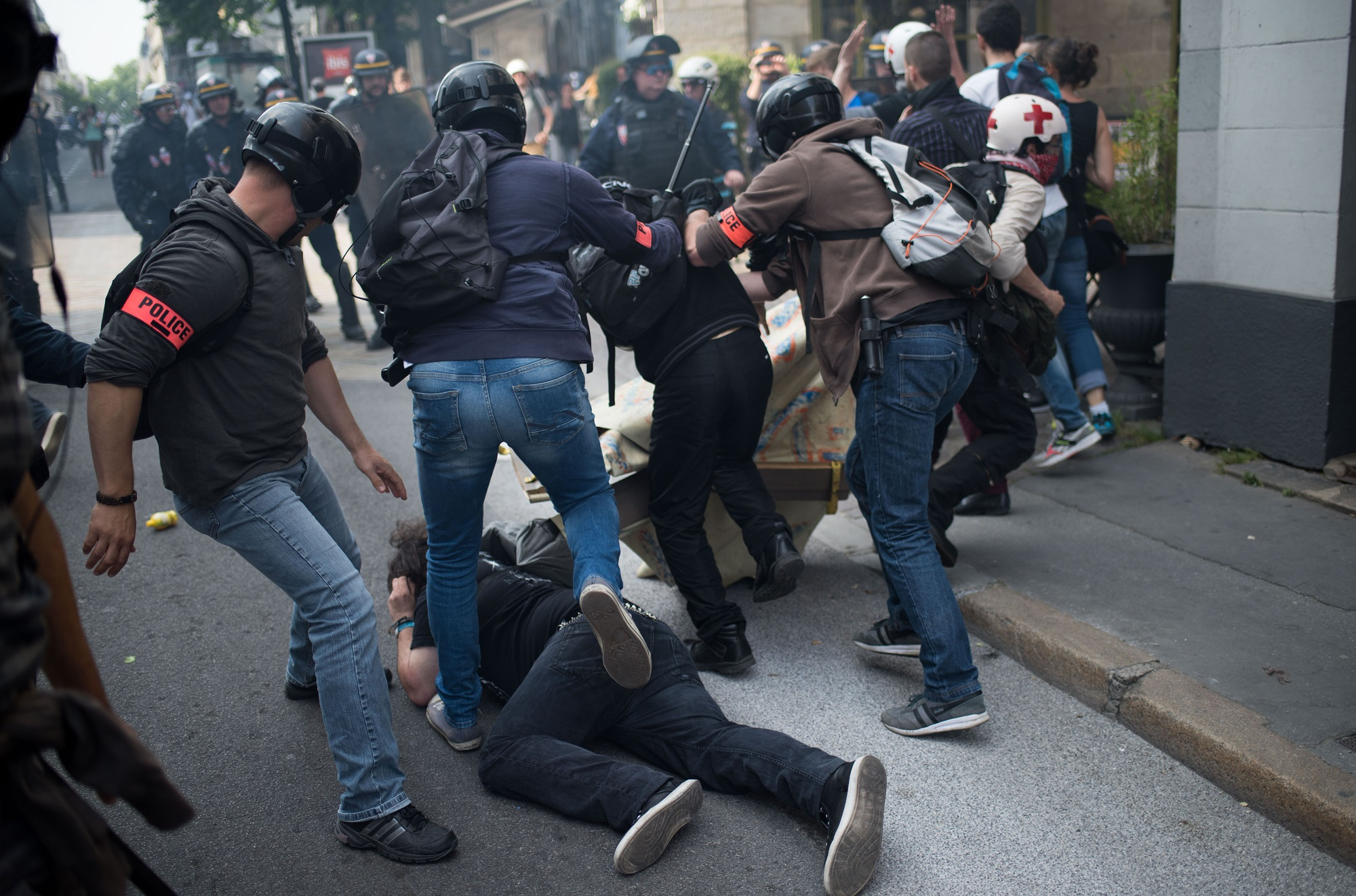 Arrestation et matraquage à Nantes