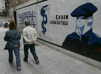 Fresque pour ETA au Pays basque