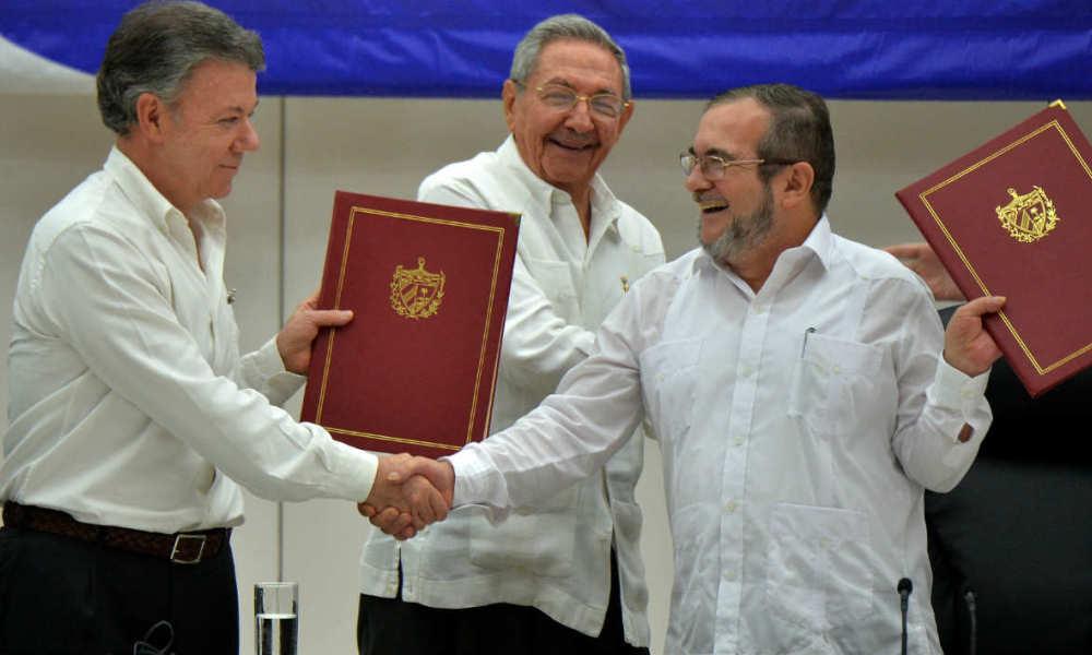 La signature de l'accord de paix à La Havane