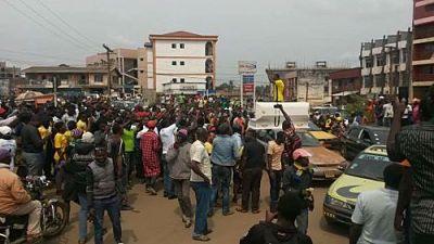 Manifestation des enseignants à Bamenda