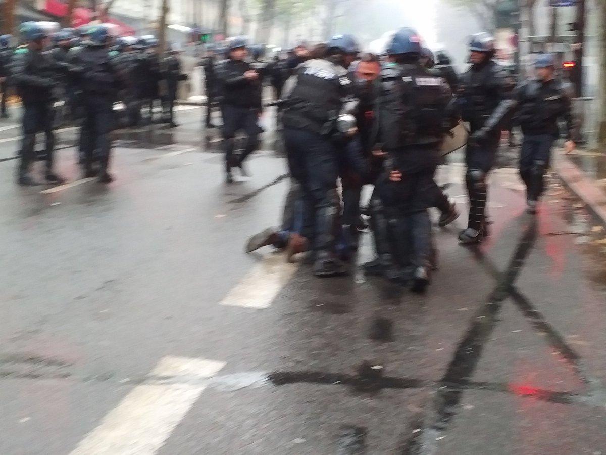Arrestation d'un contre-manifestant hier dimanche