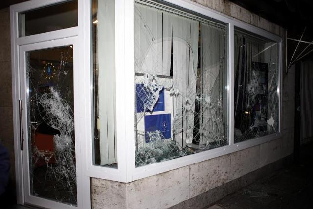 Les bureaux visés après l'attaque