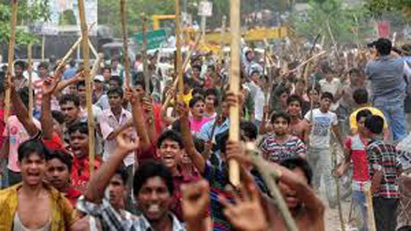 La manifestation des ouvriers du textile à Ashulia