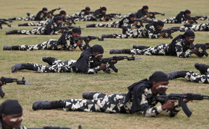Forces antiguérillas à l'entraînement