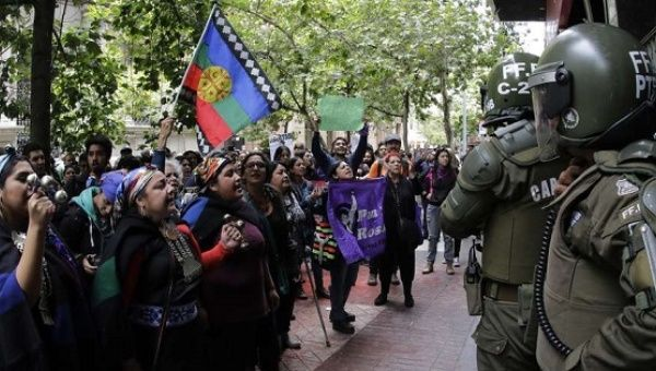 Les Mapuches à Santiago (archive)
