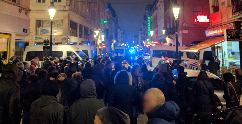Manifestation solidaire autour des manifestantes retenues