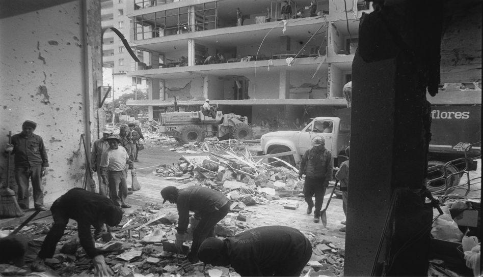 La rue Tarata après l'explosion