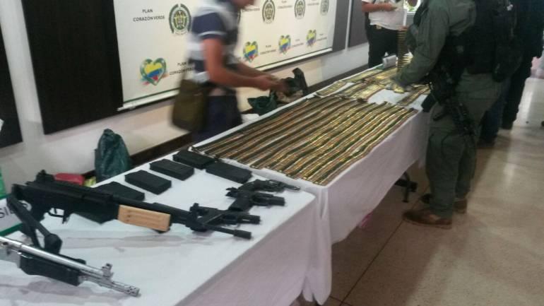 Les armes saisies sur les guérilleros capturés