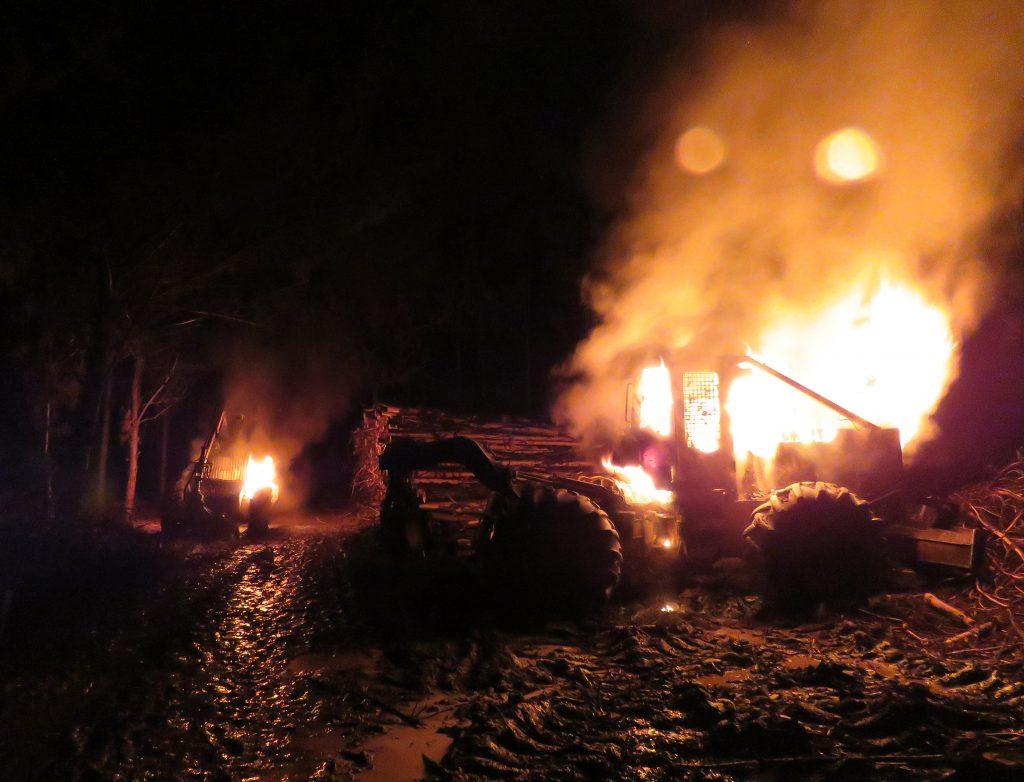Attaque d'un colmpagnie forestière en pays mapuche