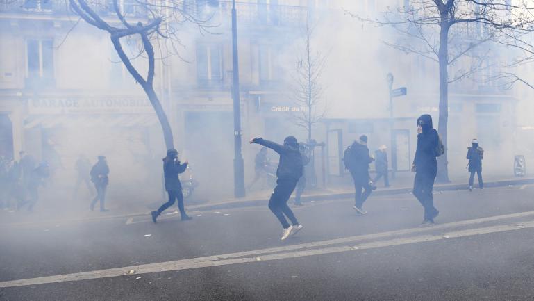 Les affrontements de cet après-midi à Paris