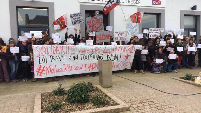 Une centaine de manifestants en solidarité avec les 4 inculpés à Plouaret