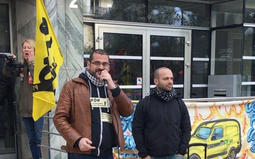 Gaël Quirante (au centre) devant la cour administrative d'appel ce mardi
