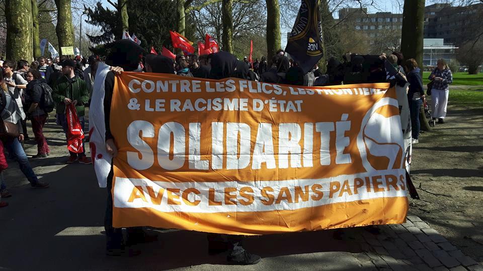 Bloc antifa à la manif du 26 mars 2017 contre le centre fermé de Vottem