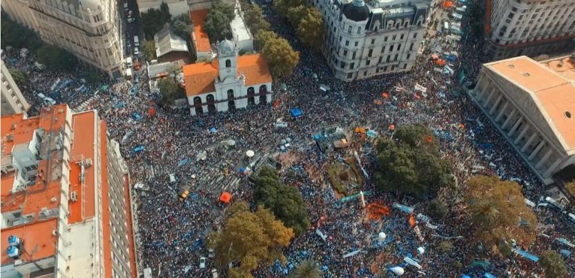 Le 22 mars derniers, les enseignants en grève envahissaient le centre de Buenos Aires