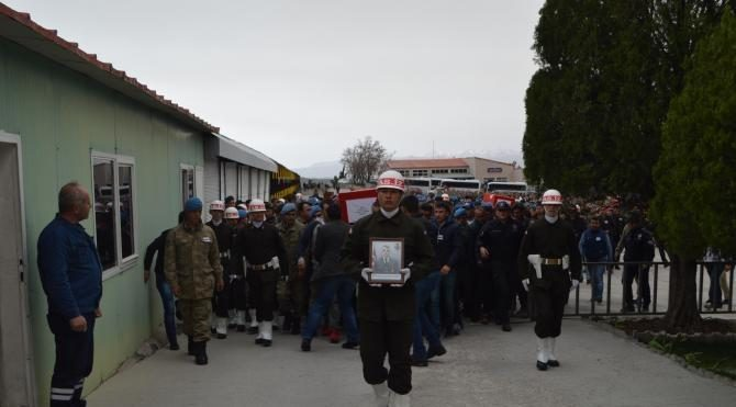 Cérémonie pour un des militaires tués dans le Bestler Dereler