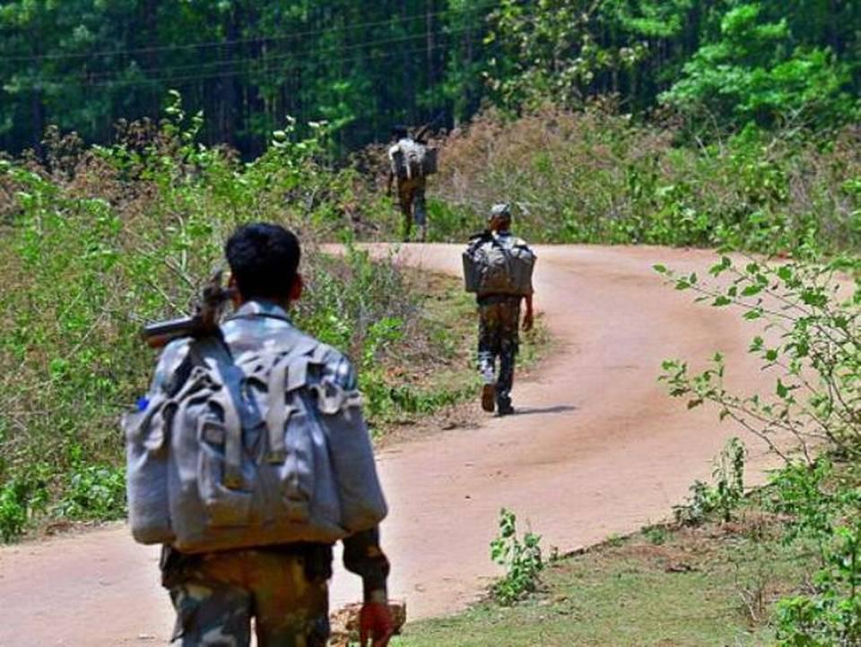 Guérilleros maoïstes dans la jungle