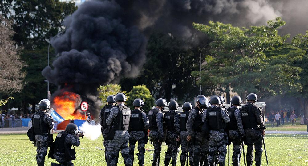 Les affrontements à Brasilia