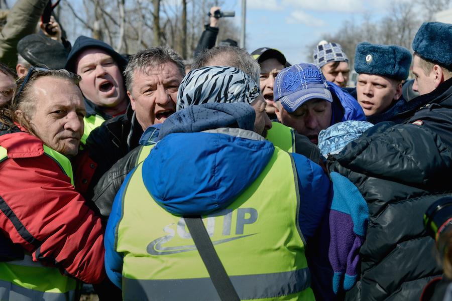 Heurt entre camionneurs et policiers russes au Dagestan