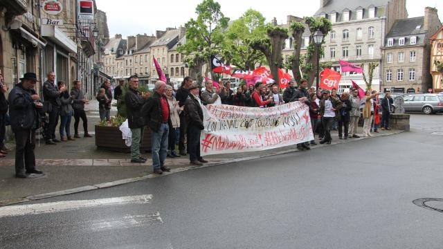 60 manifestants solidaires ce matin