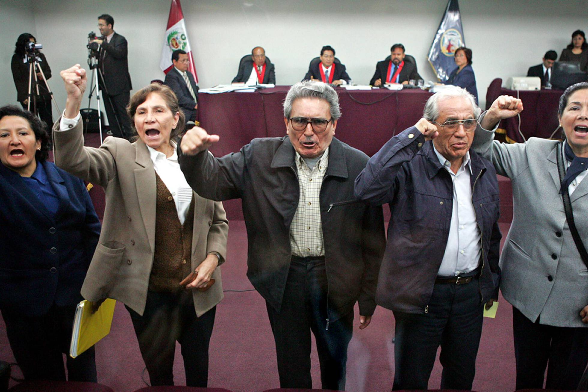 Quelques inculpés du procès en cour (le Président Gonzalo est au centre)