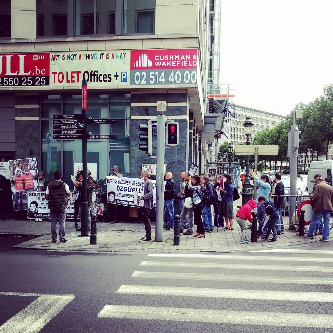 Solidarité avec Nuriye et Semi !