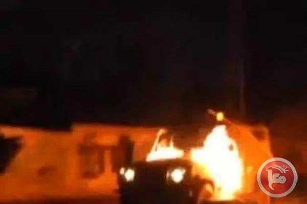 La jeep de l'armée incendiée lundi à Hébron