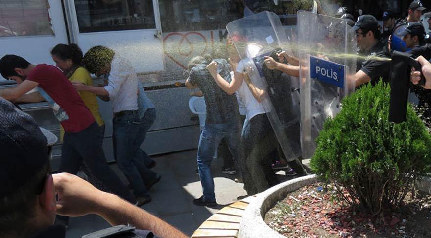 La répression de la manifestation